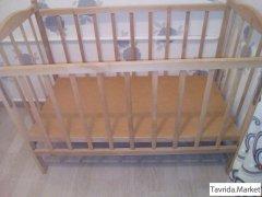 Продам детскую кроватку для ребенка