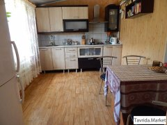 4-х комнатный светлый, уютный дом с мебелью.