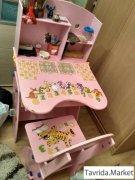 Детский стол и стул.