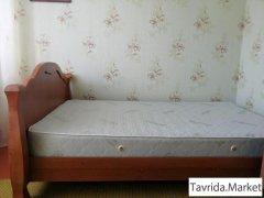 Кровать полуторная с матрасом