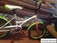 велосипед с дополнительными колесиками
