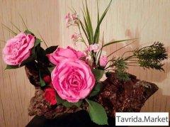 """Композиция """"Розы на коряге"""""""