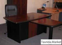 Солидные столы руководителя