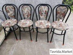 Крепкий комплект мебели: стол +4 стула б/у