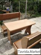 Диваны и стол