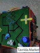 Бизикуб - развивающий куб для детей от года