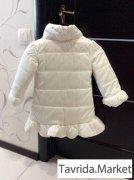 белое пальто Akkon