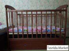 Кровать-маятник детская с ящиком и матрасом