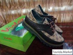 новые туфли-кроссовки