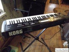 "синтезатор ""Korg"""