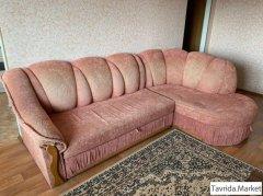 диван - мягкий уголок, в хорошем состоянии, раскладывается - два спальных места