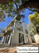 Дом 273 м² на участке 3,8 сот.